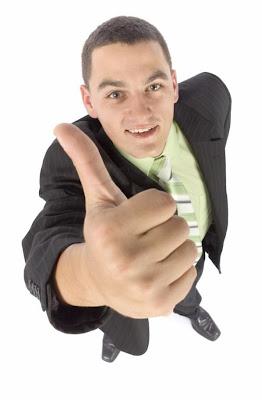 Hombre Sonriendo Crecimiento Personal