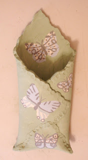 wall-pocket-slip-decorated-butterflies