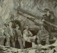 Cornish and Indian miners cutting the top plate, 315 Level, Rodjes Shaft, Mysore Mines, KGF