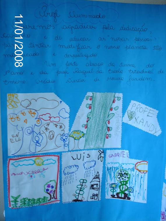 Mensagens de cada aluno em agradecimento ao plantio de mudas na área do pátio escolar.
