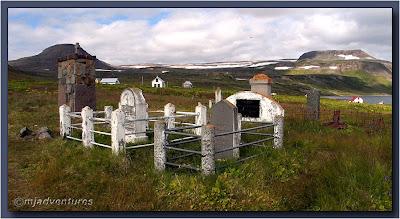 Hesteyri_Cemetery