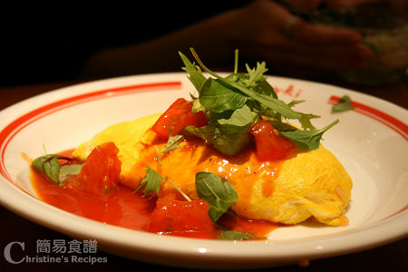 蛋包飯 Omurice-Fried Rice Wrapped in Omelet