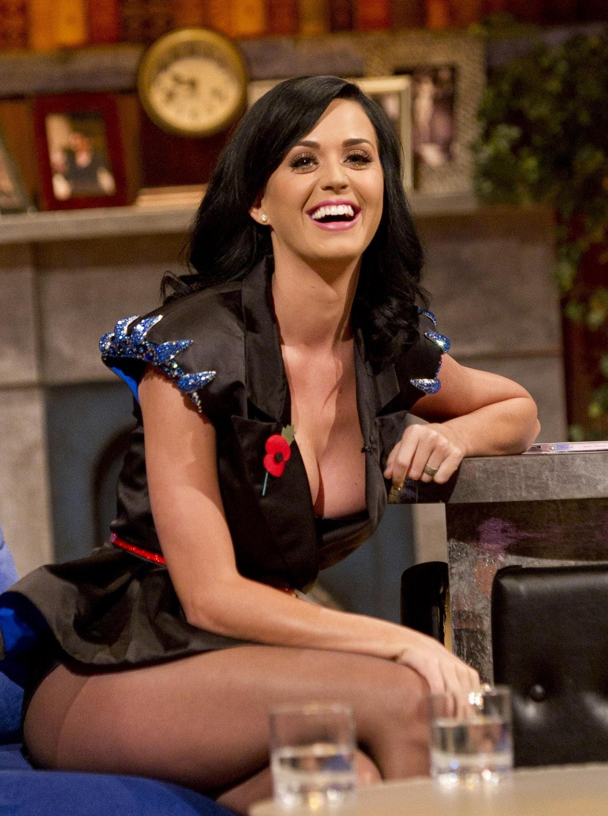 Glamour Actress Life Katy Perry Sexiest Exposure Ever Show Her Full Boobs Thigh Butt Latest Scandal