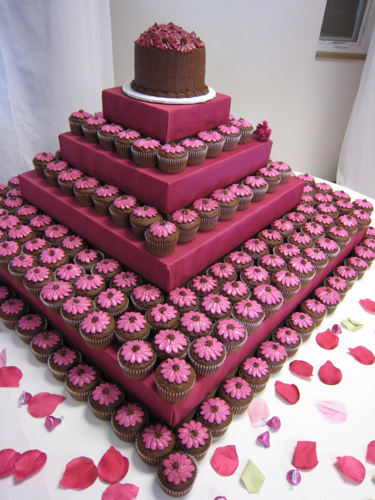 Cake Designs Out Of Cupcakes : Special Cake For All Moment: Preview : Cupcake wedding ...