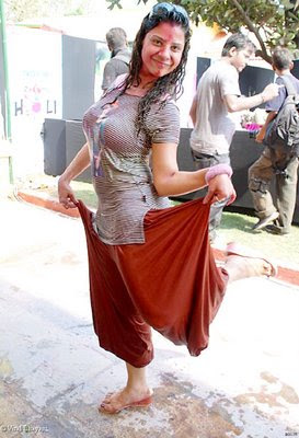 holi dance scraps holi dance graphics holi dance images holi dance pics holi dance photos holi dance greetings holi dance ecards holi dance wishes holi dance animations