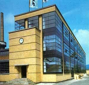 Dise o en rosa la primera escuela de dise o industrial for Bauhaus berlin edificio