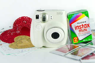 instax camera 9cf4 600.0000001296799307 Hipster Valentines Day Gift Guide 2011 pop culture