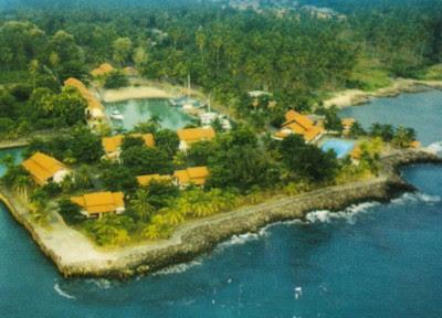 wisata pantai anyer, pantai carita, paket wisata anyer