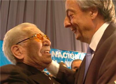 Manuel Quindimil y Néstor Kirchner en Lanús, el 26 de octubre de 2006