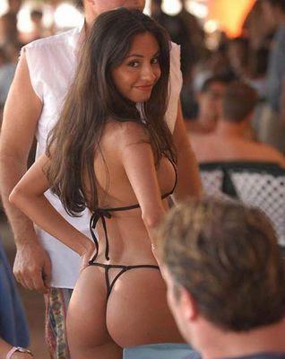 Bikini Paradise: Airline drops ad with singing, bikini-clad Cubans