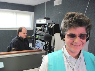 Laurel on the air, Live Record Request Show