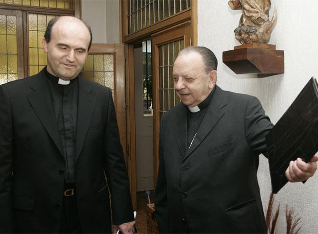 Uriarte recibe a su sucesor Munilla