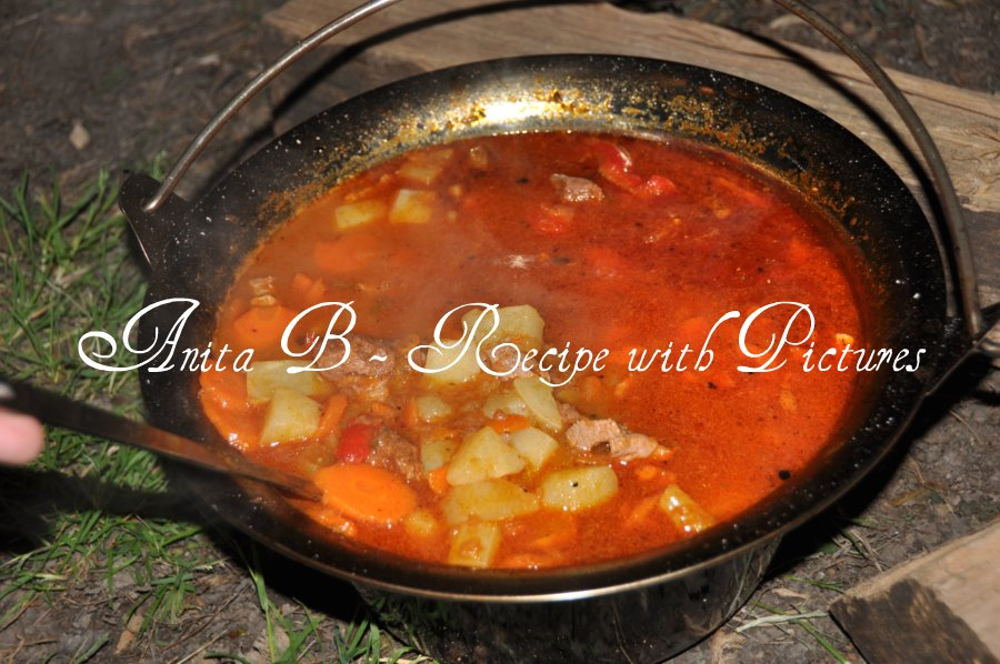 Recipe With Pictures: Hungarian Goulash Soup