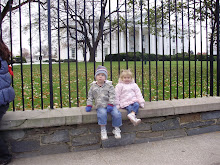 Aidan and Ellie in front of White House 11/09
