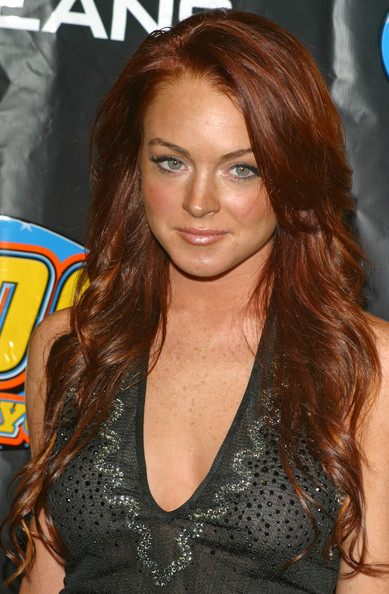 Lindsay Lohan Hot Hairstyles 2010 for Girls Trendy Haircut Photo Shoot