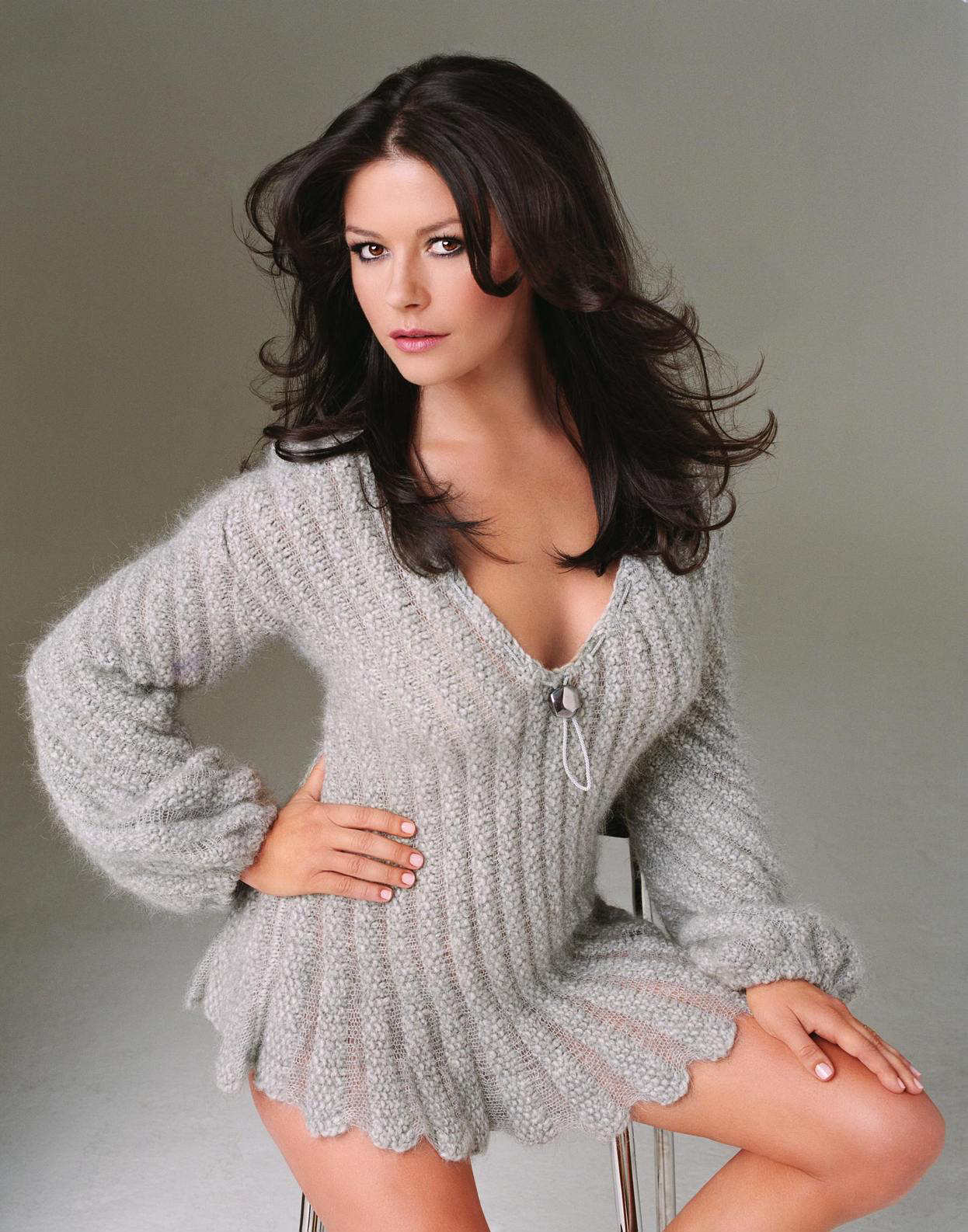 http://2.bp.blogspot.com/_V6cHkkbjFt8/TNYp0cRqMtI/AAAAAAAADUc/kn4X9ixYb2o/s1600/Catherine+Zeta+Jones+-+Ultimate+Pictures+Collection+%2811%29.jpg