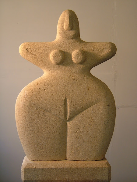 early goddess, limestone