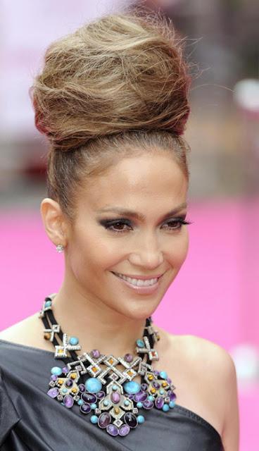 jennifer+lopez+beehive+premiere+4 Jennifer Lopez & Her Beehive/Ratsnest Hairdo