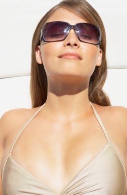 woman+in+sunglasses Made In The Shade: Dont Forget To Enter The Sunglasses Giveaway!