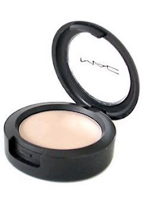 mac+cream+colour+base+in+hush A Cheeky Makeup Trick, Plus My New Favorite Product!
