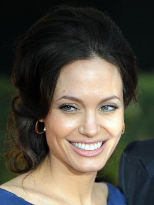 angelina+jolie+sag+hair David Babaii Shares His Tips For Achieving Angelina Jolies SAG 2009 Hair
