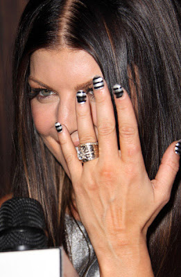 fergie+striped+nails Are You Feeling Fergies Striped Nails?