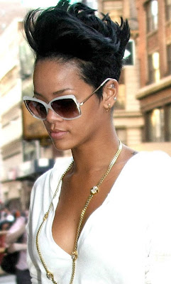 rihanna+hair6 Rihannas Hair Raising New Do