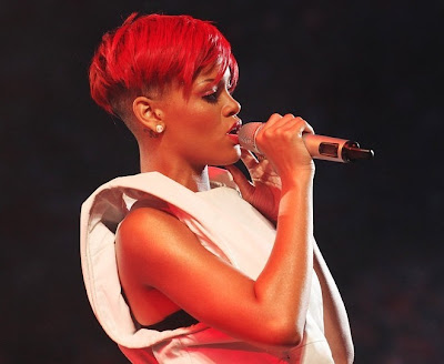 rihanna+red+hair+14 Rihanna Has Red Hair!