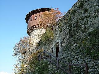 Il castello di Petrella