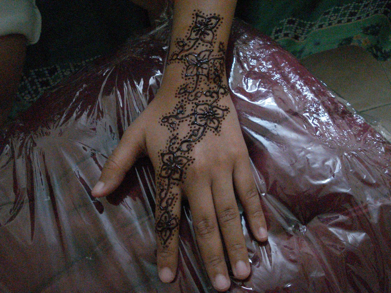Lukisan Henna