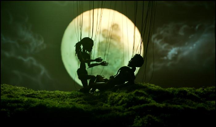 [Strings_Hal_and_Sahros_love_scene_1_b.jpg]