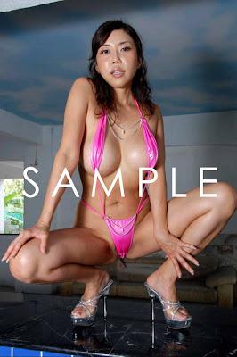 http://2.bp.blogspot.com/_VAcnx9_DEvs/SlcdkkVuG_I/AAAAAAAAKE4/3cu96Hf_edc/s400/Kayoko-Senba-Sexy-Japanese-Gravure-Busty-Big-breast-Sexy-Idol-model-001.jpg