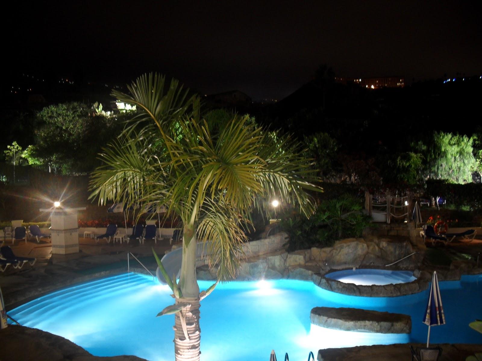 De lo bueno lo mejor hotel playacanaria spa for Ajedrez gigante jardin
