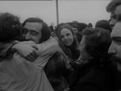 José Mário Branco e Isabel Alves Costa à chegada a Portugal