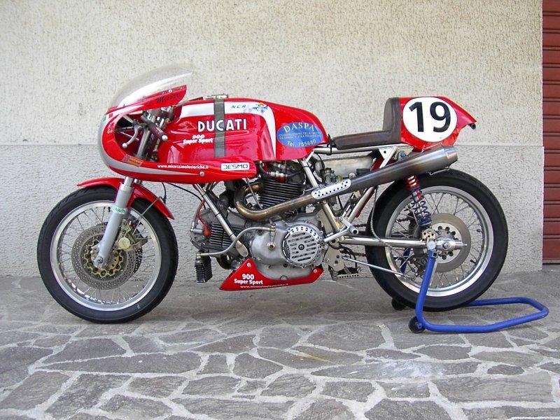 Ci vorrebbe una moto  Ducati 900 SS race bike