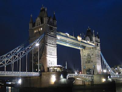 tower-bridge-night