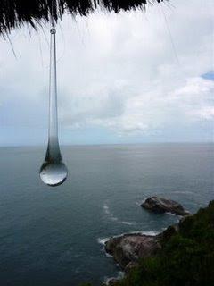 gota de agua en el oceano