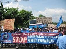 Aksi Damai Saat Hari Buruh Sedunia