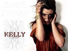 kelly clarkson . ♥