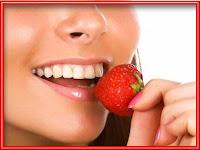 4 Makanan Ini Ampuh Sebagai Pemutih Gigi
