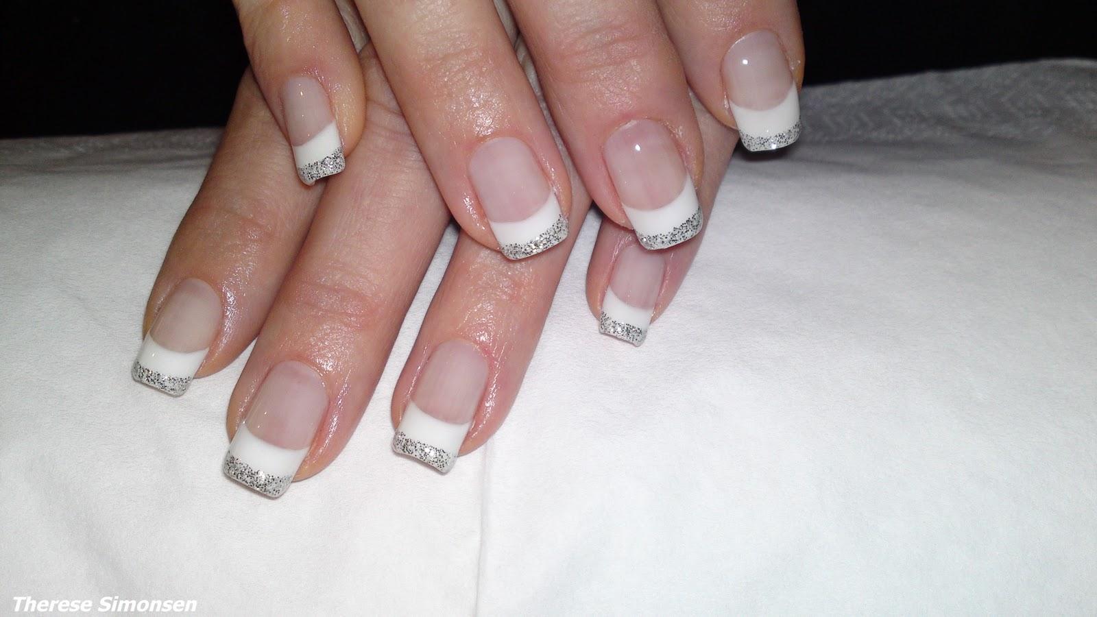 franska naglar med glitter