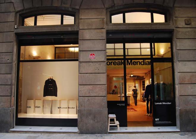 loreak mendian flagship store, duc de la victòria, barcelona, octubre 2008