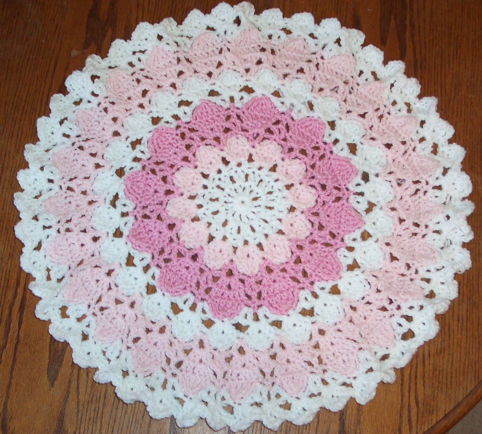 Crochet Patterns Doilies Beginners : BEGINNER CROCHET DOILY PATTERN Crochet Patterns