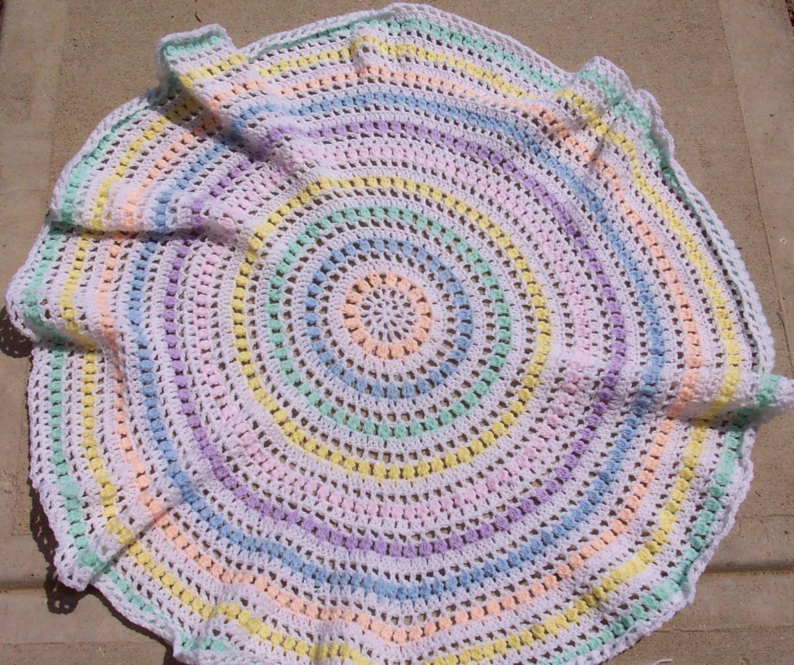 Free Crochet Pattern For Circle Baby Blanket : SmoothFox Crochet and Knit: Testers Found - Spring Circle ...