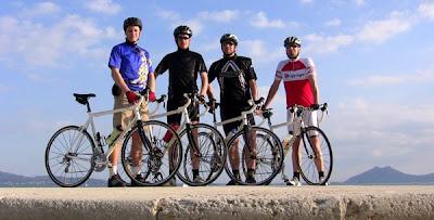 Viva el grupo deportivo de bicicleta montaña del diablo!