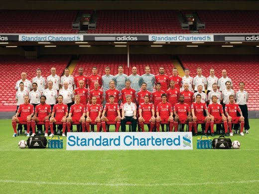 Liverpool+FC+Squad+2010-11.jpg