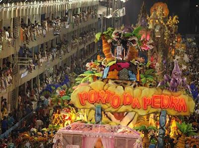O desfile de moda da Porto da Pedra.