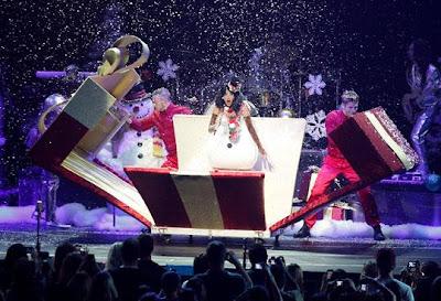 Modelito de Natal da Katy Perry.