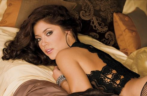 UFC fans all know Arianny Celeste as the most popular of the Octagon girls