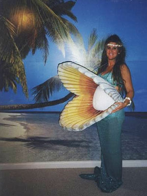 pregnant mother of pearl funny pics Funny and Hilarious Halloween Costumes